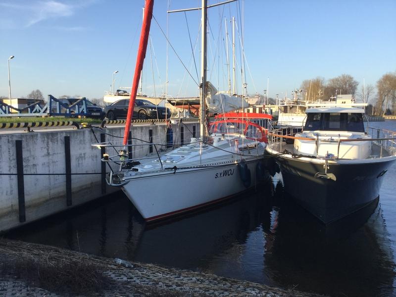 Czarter jachtów Bałtyk Darłowo imprezy rejsy okolicznościowe rejsy wzdłuż plaży wynajem jachtów organizacja rejsów czarter darłowo
